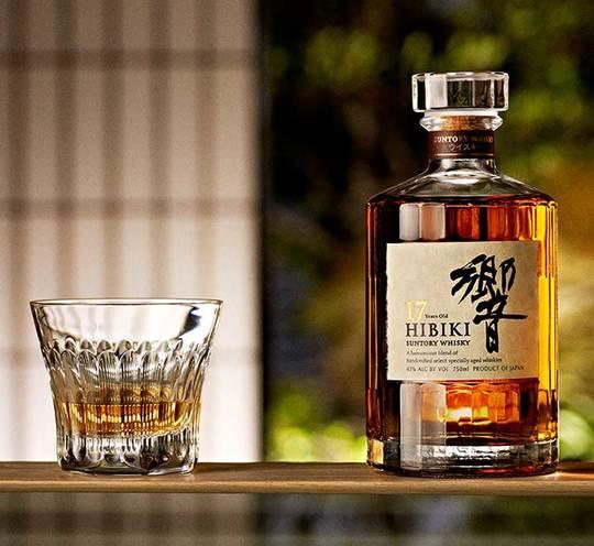 Suntory Hibiki 17 Year Old Blended Whisky 700ml Bottle